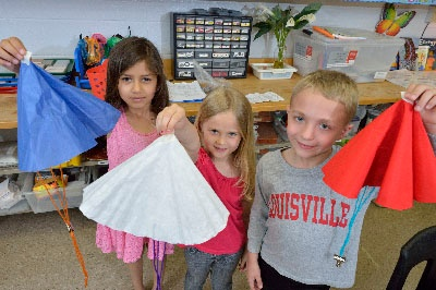 EiE Parachutes example